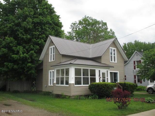 507 S Farmer Street, Otsego, MI 49078 (MLS #19022786) :: Matt Mulder Home Selling Team