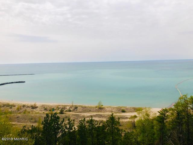 3275 S Lakeshore Drive, Ludington, MI 49431 (MLS #19022865) :: Deb Stevenson Group - Greenridge Realty