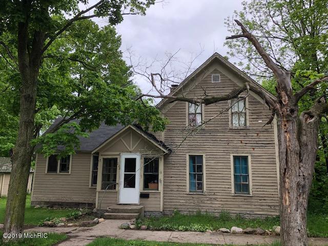 222 S Park Street, Reed City, MI 49677 (MLS #19023508) :: Deb Stevenson Group - Greenridge Realty