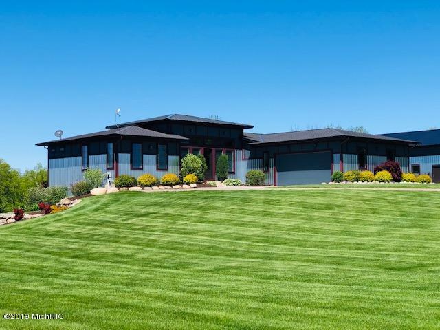 4437 135th Avenue, Hamilton, MI 49419 (MLS #19024349) :: Deb Stevenson Group - Greenridge Realty