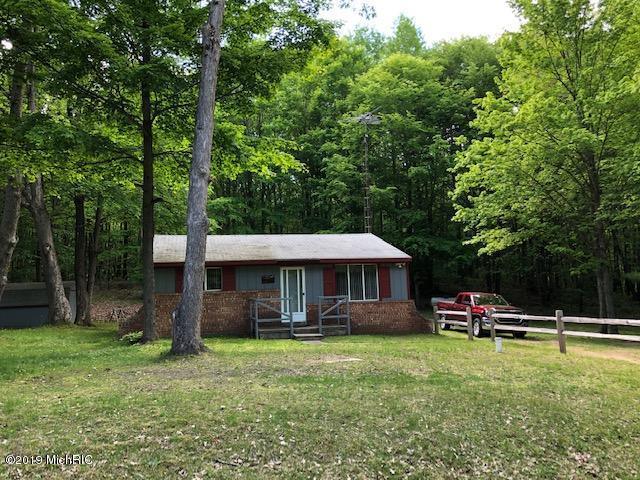 5911 S Frank Smith Road, Chase, MI 49623 (MLS #19026006) :: CENTURY 21 C. Howard