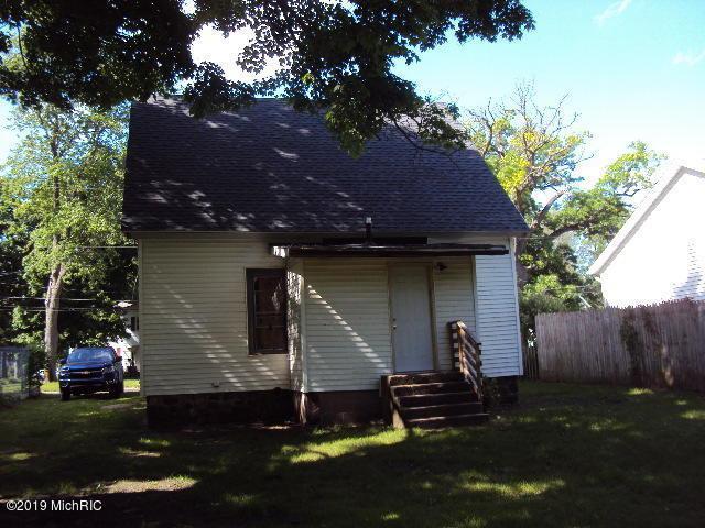 414 E Division Street, Dowagiac, MI 49047 (MLS #19026386) :: CENTURY 21 C. Howard