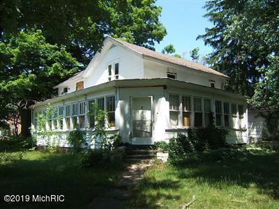232 N Paw Paw Street, Lawrence, MI 49064 (MLS #19026405) :: CENTURY 21 C. Howard