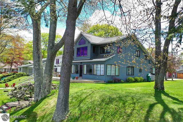 236 Locust Lane, Cadillac, MI 49601 (MLS #19026473) :: CENTURY 21 C. Howard