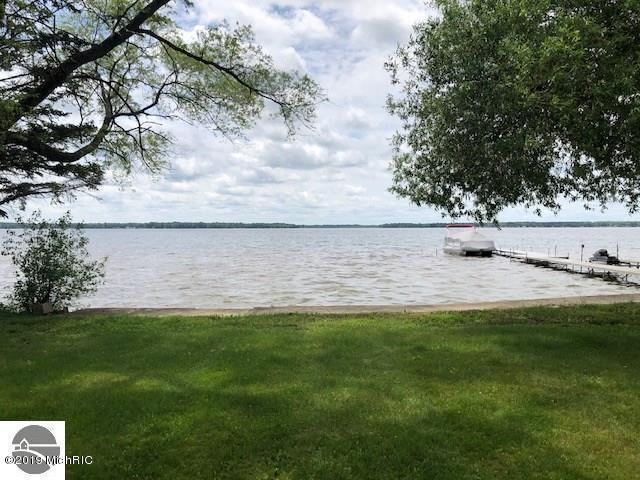 1103 E Lake Mitchell Drive, Cadillac, MI 49601 (MLS #19027923) :: CENTURY 21 C. Howard