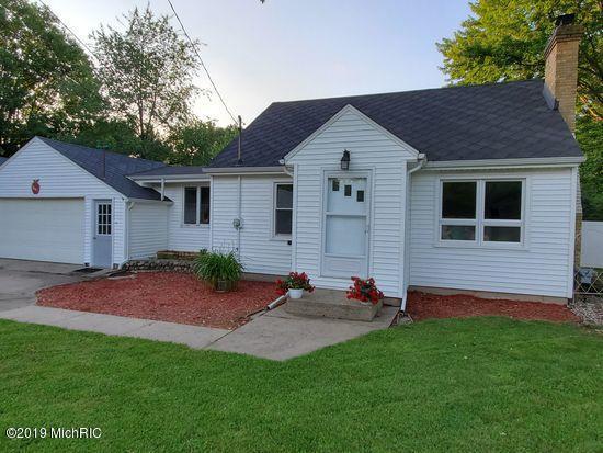 1803 Apple Street, Portage, MI 49002 (MLS #19028718) :: Matt Mulder Home Selling Team