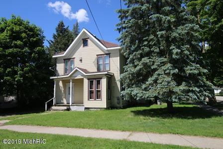 336 N Main Street, Evart, MI 49631 (MLS #19028997) :: Matt Mulder Home Selling Team