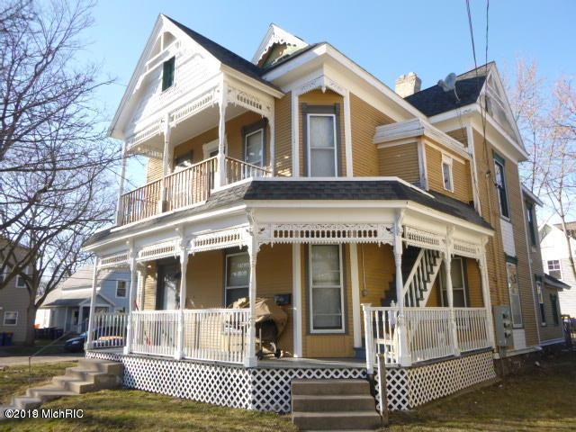 825 Dayton Street SW, Grand Rapids, MI 49504 (MLS #19029117) :: CENTURY 21 C. Howard