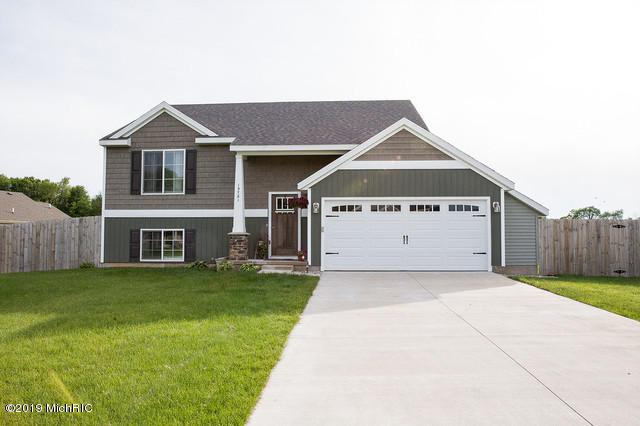 13781 E Harmony Court, Sparta, MI 49345 (MLS #19029298) :: Deb Stevenson Group - Greenridge Realty