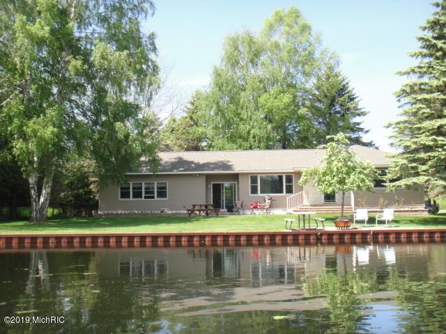 16854 Northwood Highway, Arcadia, MI 49613 (MLS #19029833) :: CENTURY 21 C. Howard