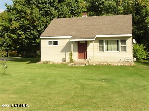 82141 M-51, Decatur, MI 49045 (MLS #19030271) :: Deb Stevenson Group - Greenridge Realty