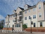 401 W Ludington Avenue #208, Ludington, MI 49431 (MLS #19030714) :: Deb Stevenson Group - Greenridge Realty