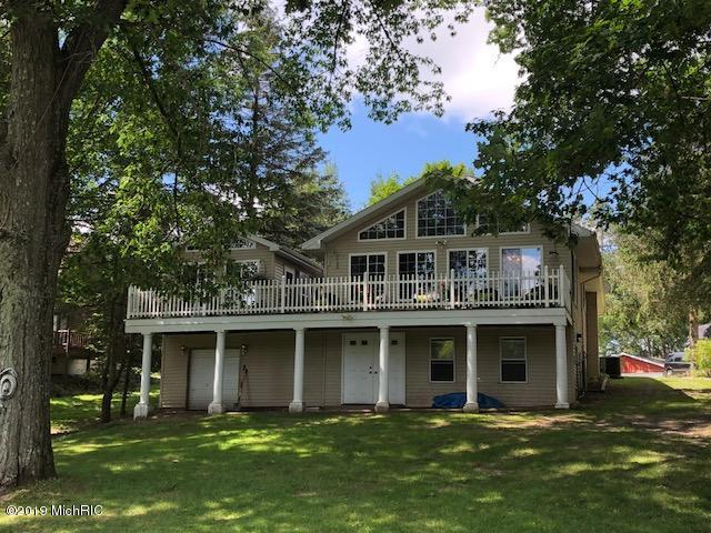 15190 Becker Drive, Mecosta, MI 49332 (MLS #19032666) :: JH Realty Partners