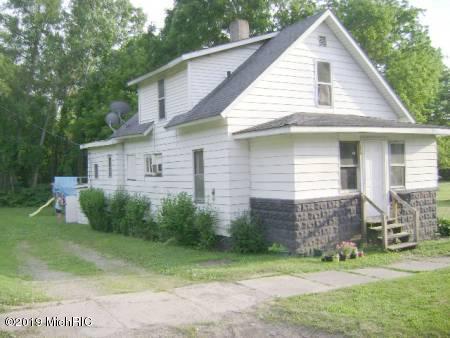 214 Cass Street, Niles, MI 49120 (MLS #19032783) :: Deb Stevenson Group - Greenridge Realty