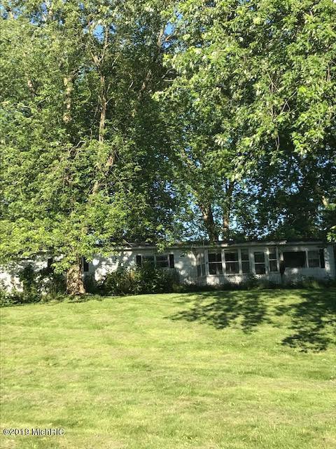 5212 Pratt Lake Avenue SE, Lowell, MI 49331 (MLS #19032826) :: JH Realty Partners