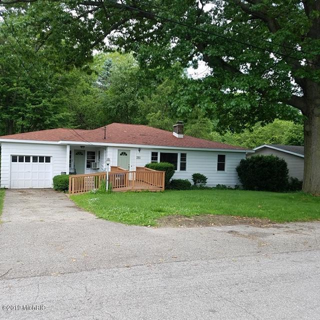 208 S Barker Street, New Buffalo, MI 49117 (MLS #19033138) :: Deb Stevenson Group - Greenridge Realty