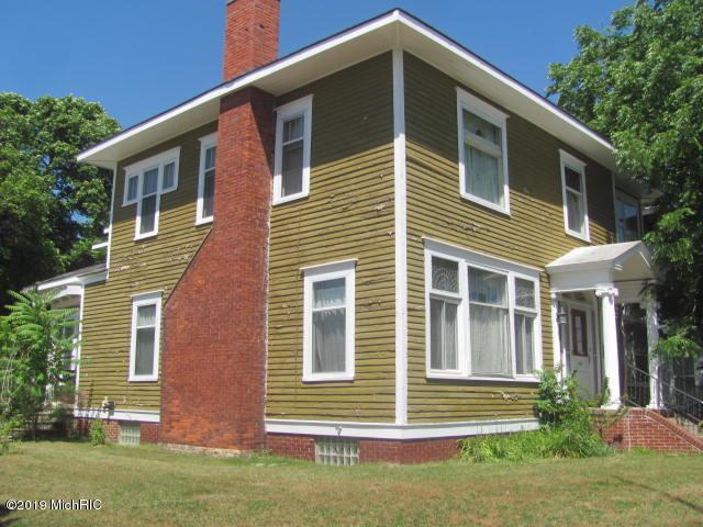 401 E Ludington Avenue, Ludington, MI 49431 (MLS #19033460) :: Deb Stevenson Group - Greenridge Realty