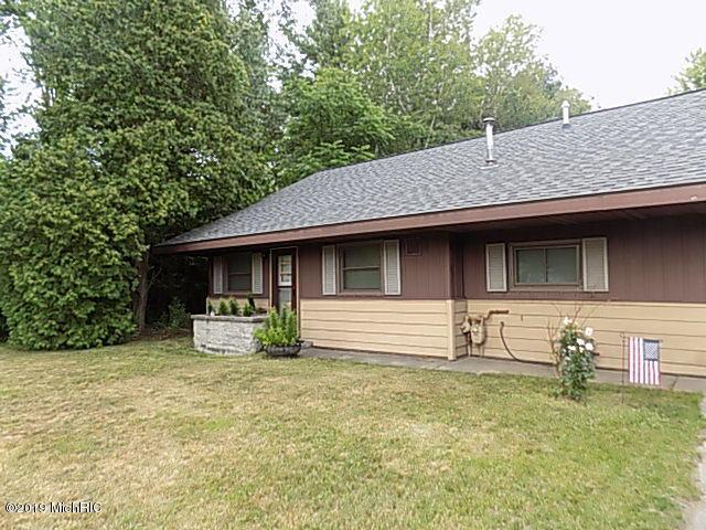 7144 S Brooks Road, Fruitport, MI 49415 (MLS #19033508) :: Deb Stevenson Group - Greenridge Realty
