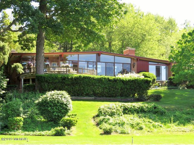 6935 Curtis Drive, Coloma, MI 49038 (MLS #19034192) :: JH Realty Partners