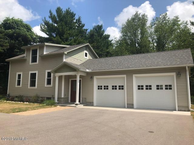 880 N Jebavy Drive, Ludington, MI 49431 (MLS #19034742) :: Deb Stevenson Group - Greenridge Realty