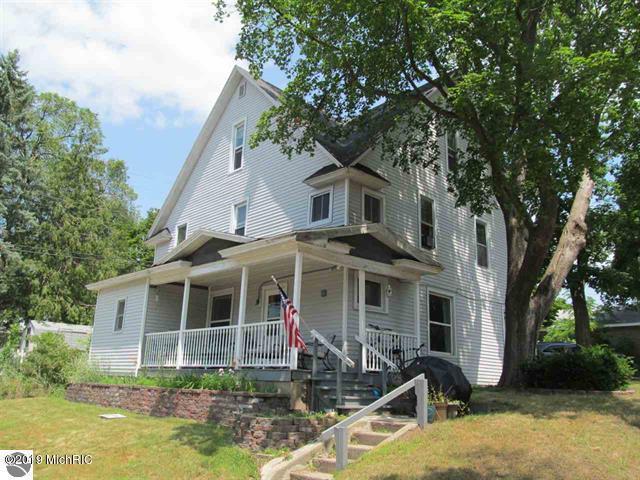 411 S Simons Street, Cadillac, MI 49601 (MLS #19035471) :: Deb Stevenson Group - Greenridge Realty