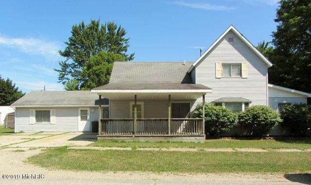 703 N Pine Street, Evart, MI 49631 (MLS #19037644) :: CENTURY 21 C. Howard