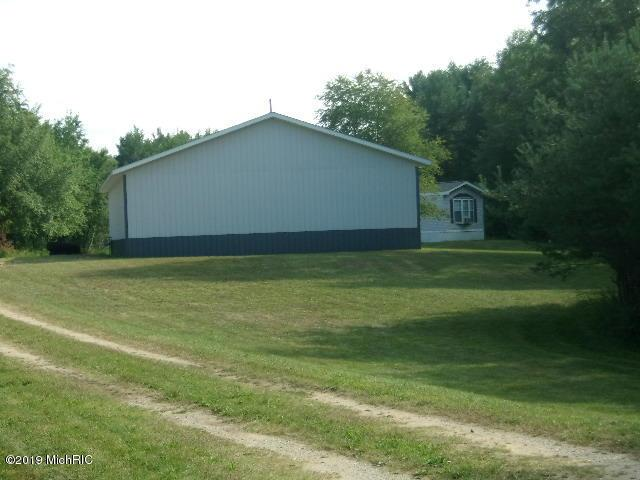 1773 W County Line Road, Manistee, MI 49660 (MLS #19038638) :: Deb Stevenson Group - Greenridge Realty