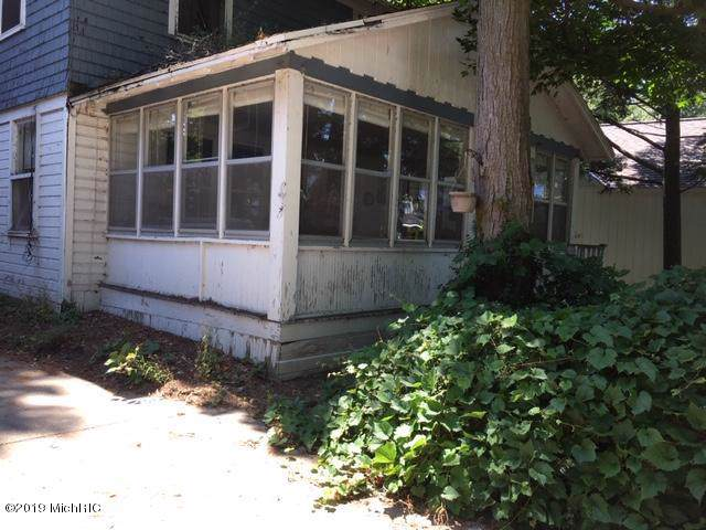 1983 South Shore Drive, Holland, MI 49423 (MLS #19044888) :: JH Realty Partners