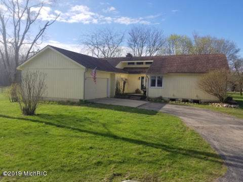 6060 Powell Highway, Ionia, MI 48846 (MLS #19044992) :: JH Realty Partners