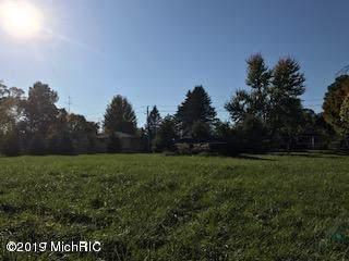 2609 S Park Road, Eau Claire, MI 49111 (MLS #19045040) :: Deb Stevenson Group - Greenridge Realty