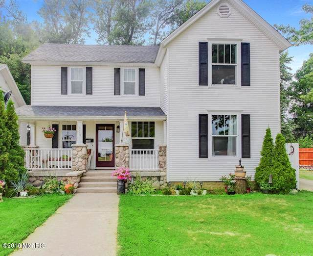 618 Lincoln Avenue, Holland, MI 49423 (MLS #19045273) :: JH Realty Partners
