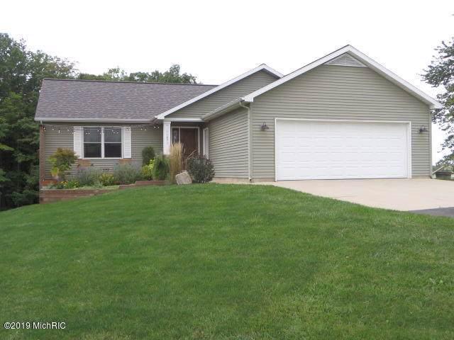 11071 26th Avenue NW, Grand Rapids, MI 49544 (MLS #19045306) :: Deb Stevenson Group - Greenridge Realty