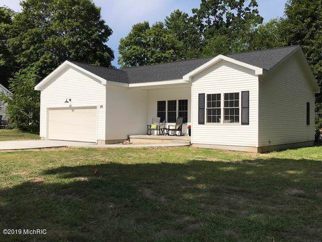 15 N Fair Street, Newaygo, MI 49337 (MLS #19045524) :: CENTURY 21 C. Howard