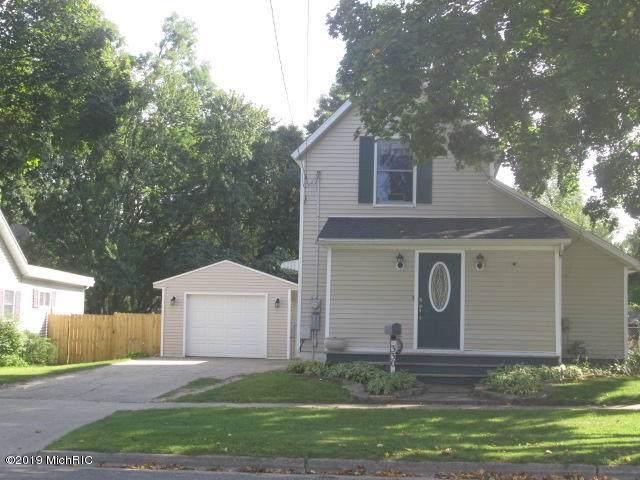 330 W Clinton Street Street, Hastings, MI 49058 (MLS #19045785) :: Deb Stevenson Group - Greenridge Realty