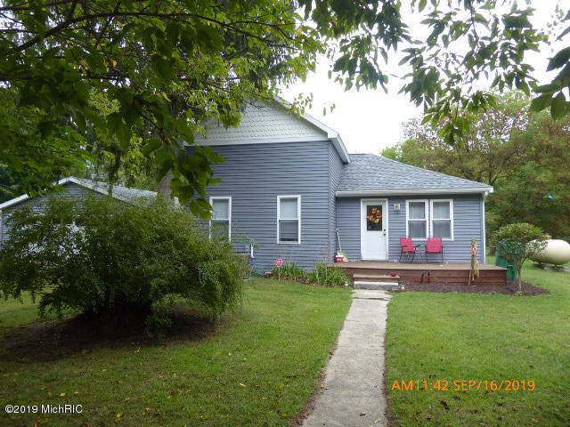 60695 Maple Street, Vandalia, MI 49095 (MLS #19046186) :: Deb Stevenson Group - Greenridge Realty