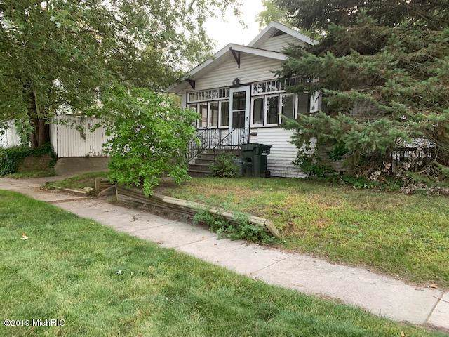 1645 Division Street, Muskegon, MI 49441 (MLS #19046420) :: Deb Stevenson Group - Greenridge Realty