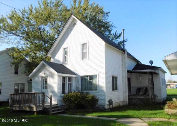 110 W Broadway Street, Scottville, MI 49454 (MLS #19047402) :: JH Realty Partners