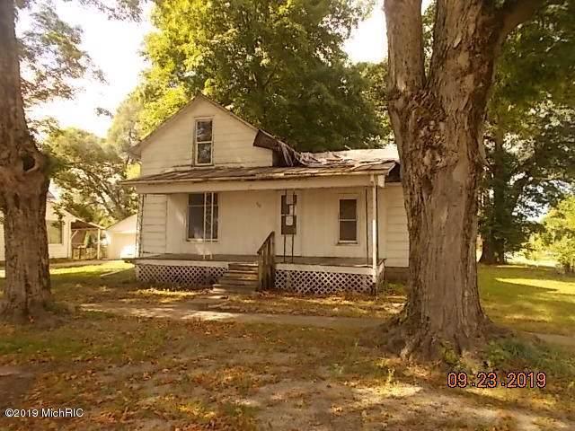 302 S Hayward Street, Montgomery, MI 49255 (MLS #19047926) :: Deb Stevenson Group - Greenridge Realty