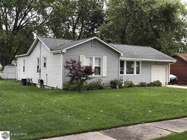 427 S Pine Street, Lake City, MI 49651 (MLS #19048241) :: JH Realty Partners