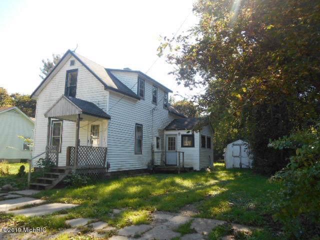308 E Broadway Avenue, Scottville, MI 49454 (MLS #19049318) :: Deb Stevenson Group - Greenridge Realty