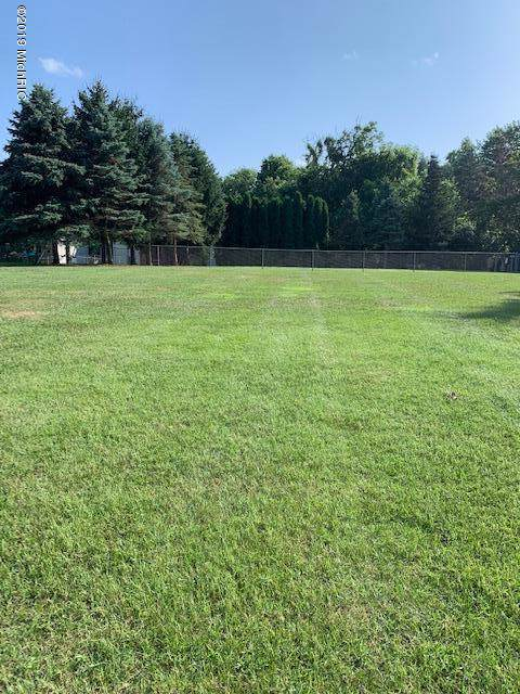 639 Club View Drive, Kalamazoo, MI 49009 (MLS #19050016) :: CENTURY 21 C. Howard