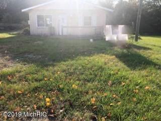 62410 S Shore Drive, Vandalia, MI 49095 (MLS #19051046) :: Deb Stevenson Group - Greenridge Realty