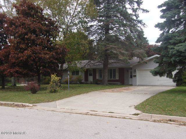 590 Browning Avenue, Manistee, MI 49660 (MLS #19051418) :: Deb Stevenson Group - Greenridge Realty