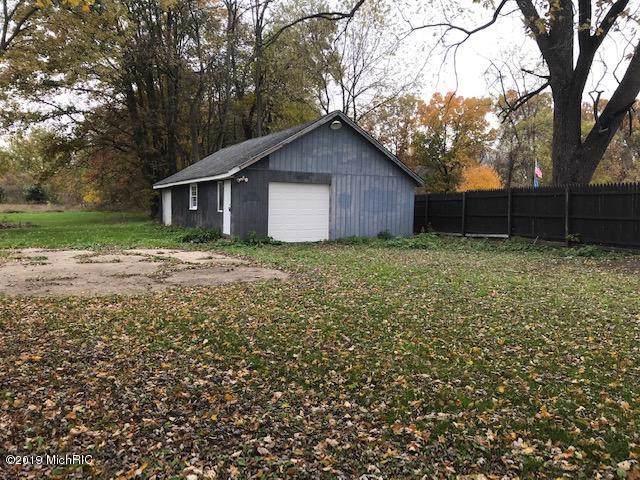 5135 11 Mile Road, Burlington, MI 49029 (MLS #19052247) :: Deb Stevenson Group - Greenridge Realty