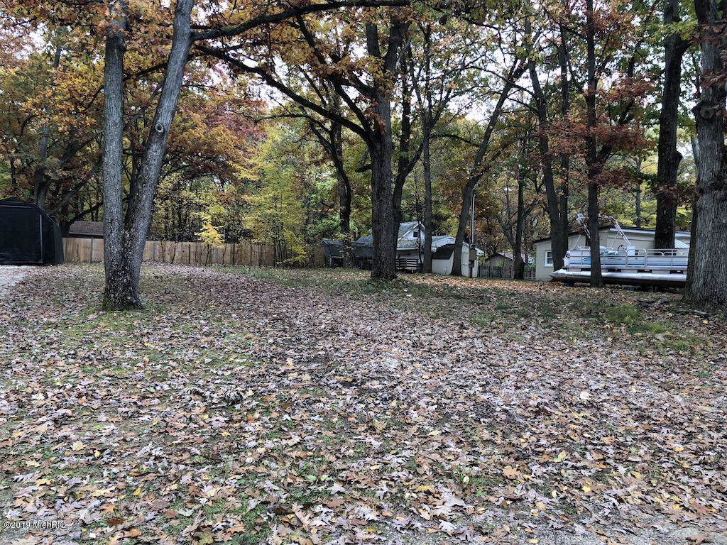 10598 Lake Drive - Photo 1