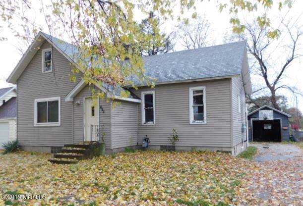 276 Third Street, Eastlake, MI 49626 (MLS #19053317) :: JH Realty Partners