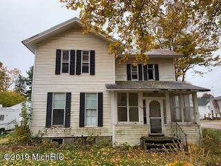 305 E Michigan Street, Reading, MI 49274 (MLS #19054349) :: Deb Stevenson Group - Greenridge Realty