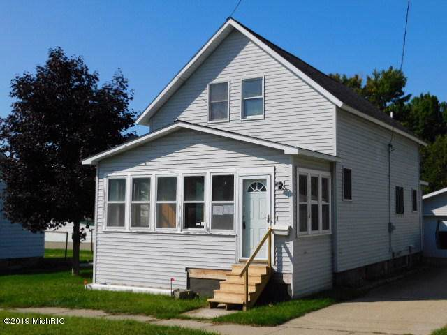 1016 Ramsdell Street, Manistee, MI 49660 (MLS #19054398) :: Deb Stevenson Group - Greenridge Realty