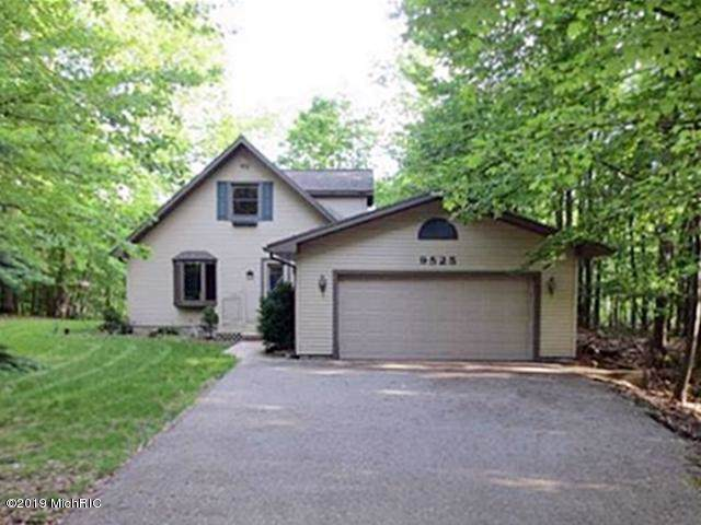 9525 Golf Port Drive, Canadian Lakes, MI 49346 (MLS #19054603) :: JH Realty Partners