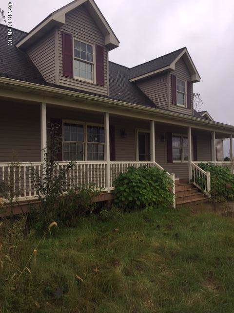 61069 Youngman Road, Three Rivers, MI 49093 (MLS #19054745) :: Matt Mulder Home Selling Team
